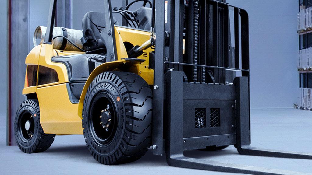Tips Menggunakan dan Merawat Ban Forklift